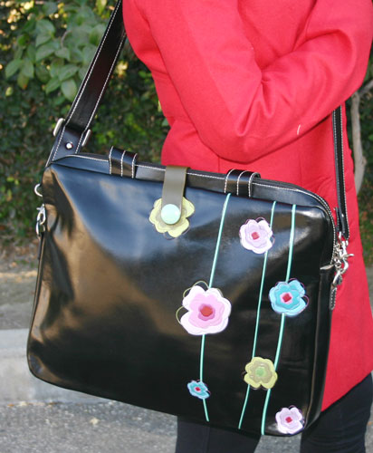 ESPE Scenic Vegan Faux Leather Messenger Handbag with Autumn Bird Motif